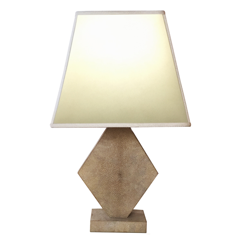 Lampada da tavolo in galuchat  Table lamp in shagreen